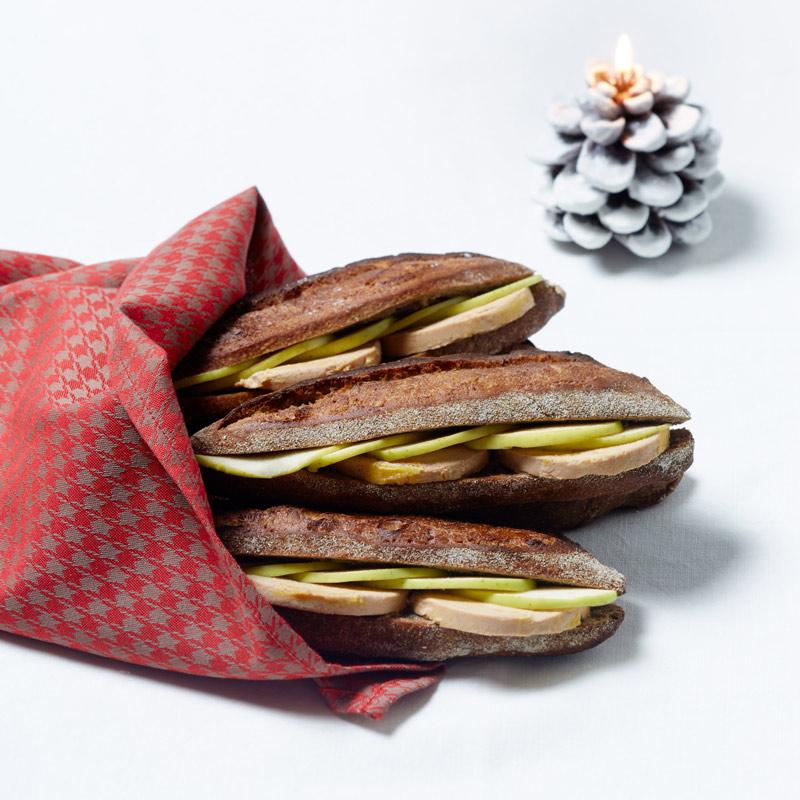Sandwich au pain aux marrons garni de foie gras et pomme Granny Maison Kayser