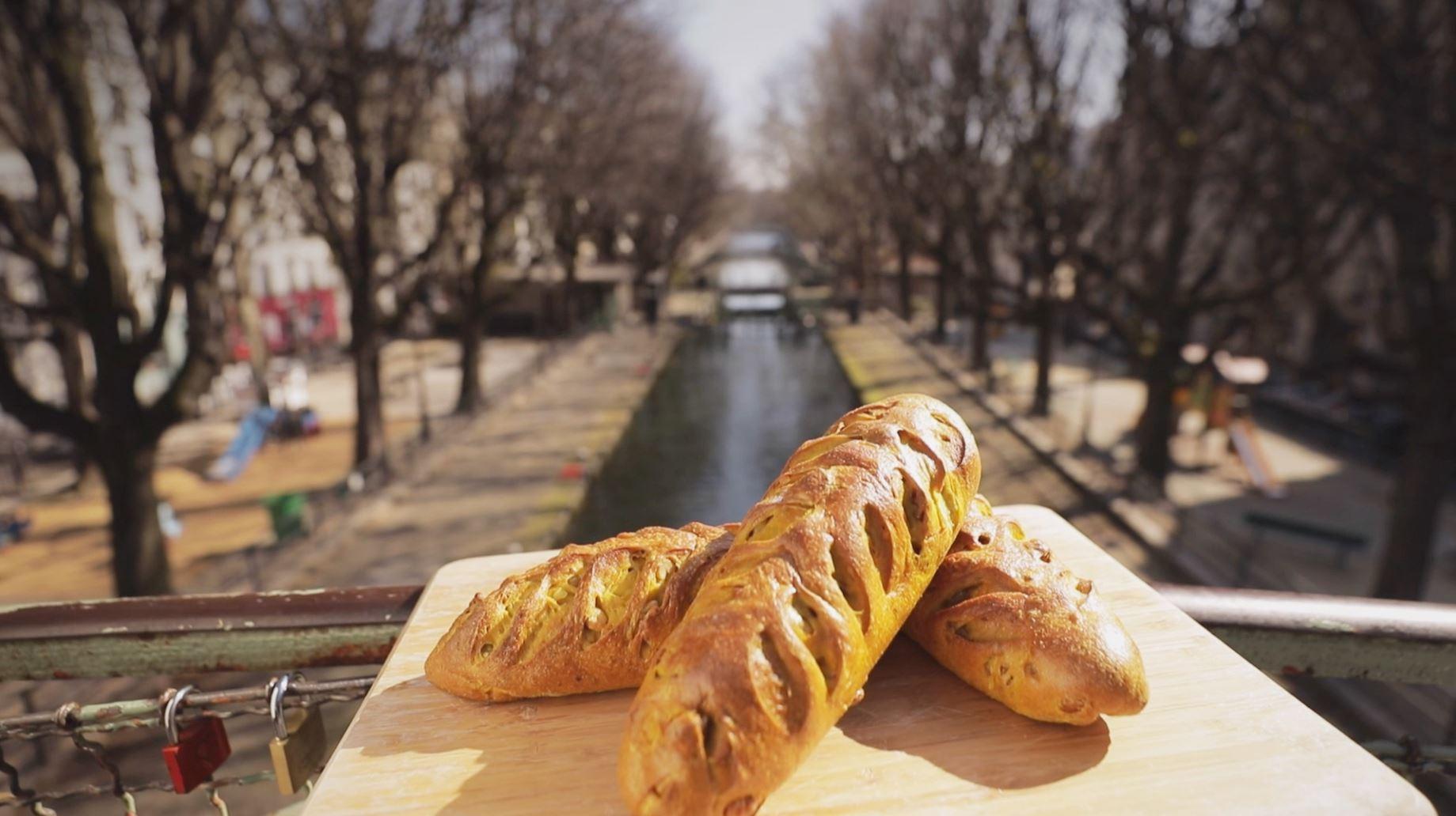 Recette du pain viennois curcuma, noix et noisettes