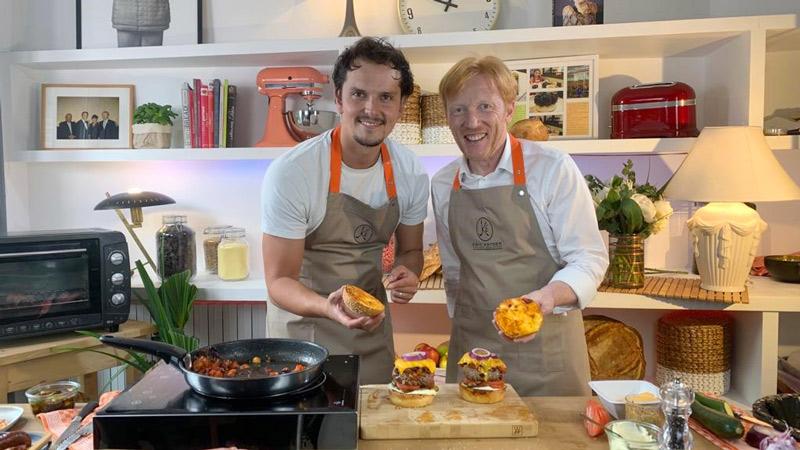 Juan Arbelaez et Eric Kayser vous donnent la recette du Burger de la Pampa