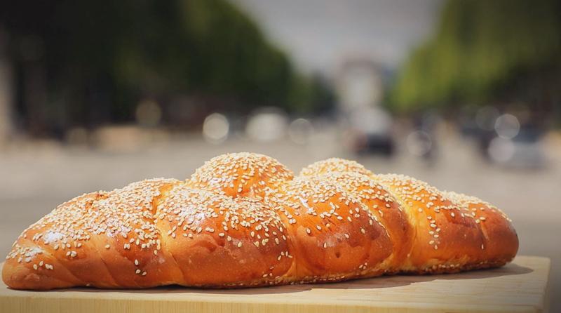 Recette de la Halla photographiée sur les Champs-Elysées
