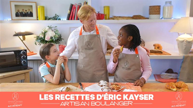 Eric Kayser présente la recette du croissant aux amandes à Brianna et Héloïse